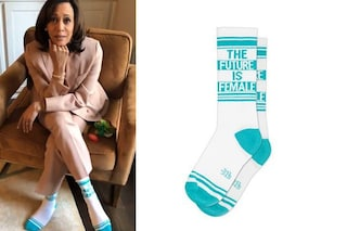 """Kamala Harris indossa lo slogan femminista: sui calzini c'è scritto """"Il futuro è donna"""""""