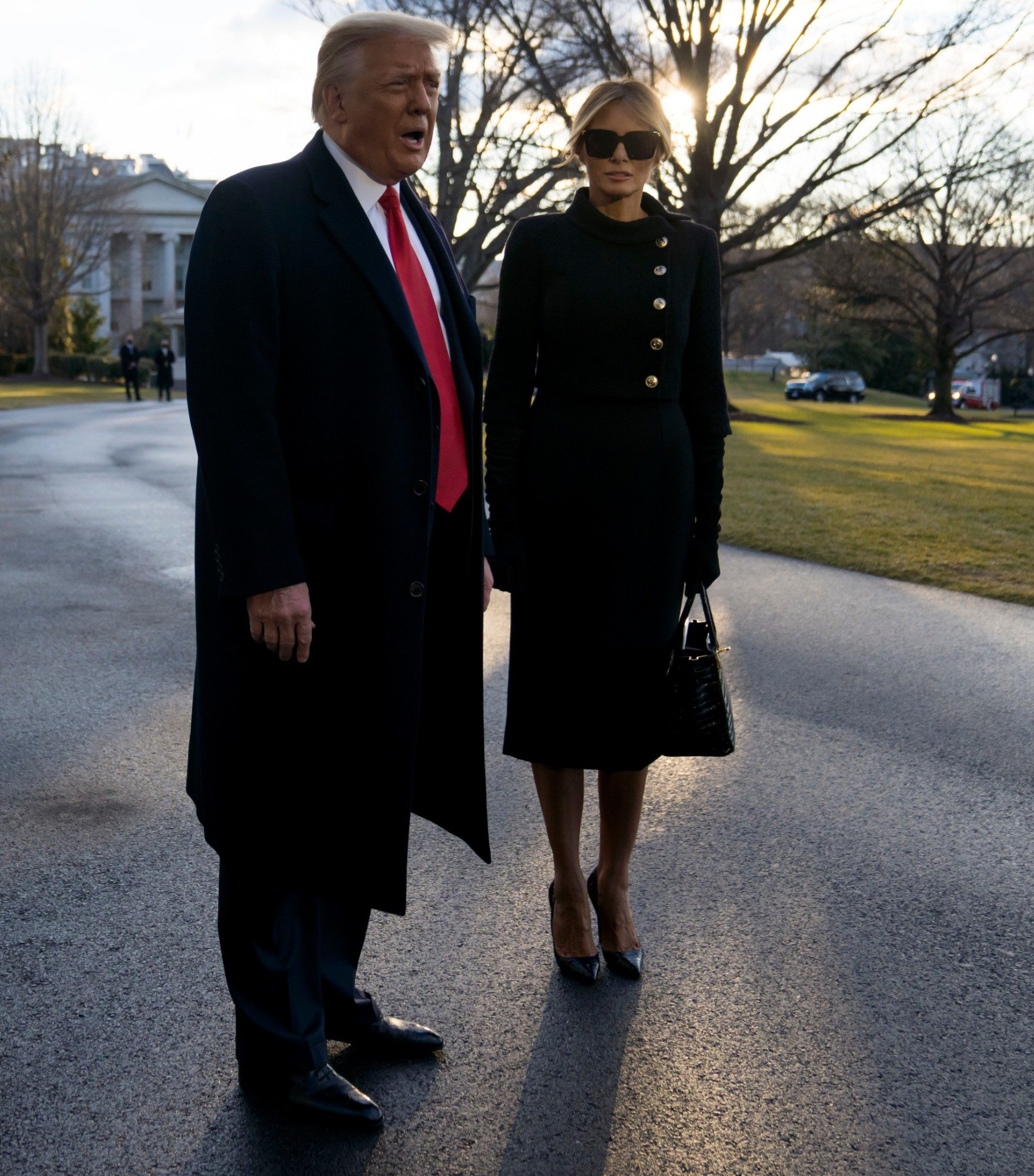 Melania Trump con scarpe Louboutin e borsa Birkin di Hermès