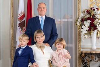I principi di Monaco sempre più chic: Jacques in giacca, Gabriella ha la mini frangia come Charlene