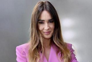 Silvia Toffanin a Verissimo in rosa: anticipa la primavera con la giacca da oltre mille euro