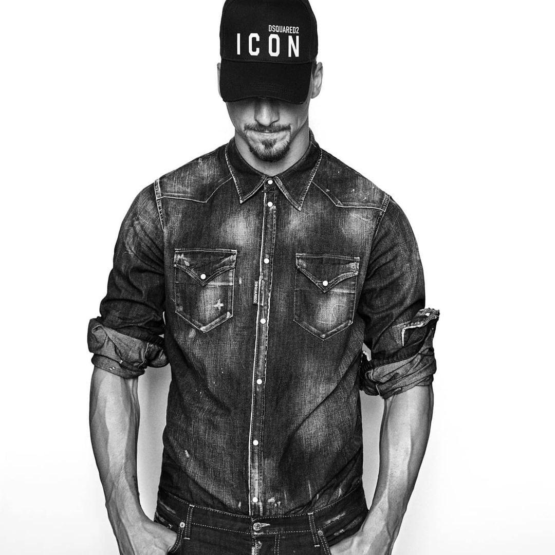 Ibrahimovic posa per la collezione Icon