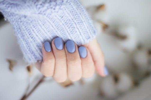 dry manicure o manicure russa