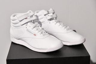 Adidas cede Reebok: venderà il marchio per concentrarsi sul proprio brand