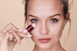 Come truccarsi senza fondotinta: le alternative per un make-up luminoso e leggero