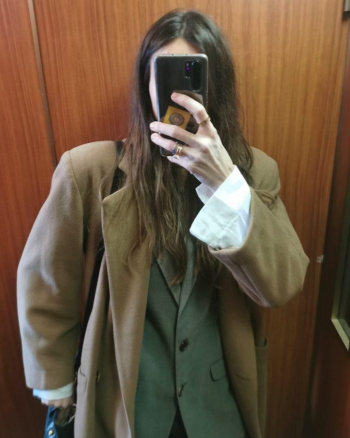 Il cappotto cammello di Kasia Smutniak