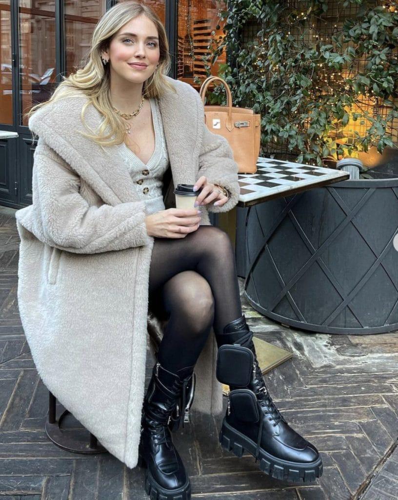 Chiara Ferragni indossa gli anfibi di Prada