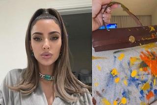 """Kim Kardashian, la prima """"prova da pittrice"""" della figlia North è su una Birkin da 7mila euro"""