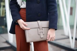 Truffa milionaria a Parigi: borse Hermès vendute in un finto negozio con l'aiuto di attori