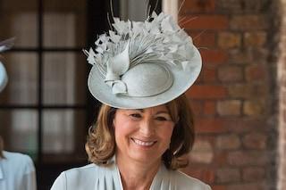 Carole Middleton, l'errore al primo incontro con la regina: rischiava di rovinare le nozze di Kate