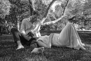 Meghan ed Harry, la foto dell'annuncio della gravidanza nasconde dei significati simbolici dolcissimi
