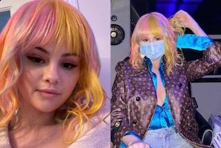 Selena Gomez segue il trend dei capelli arcobaleno: il nuovo look è multicolor