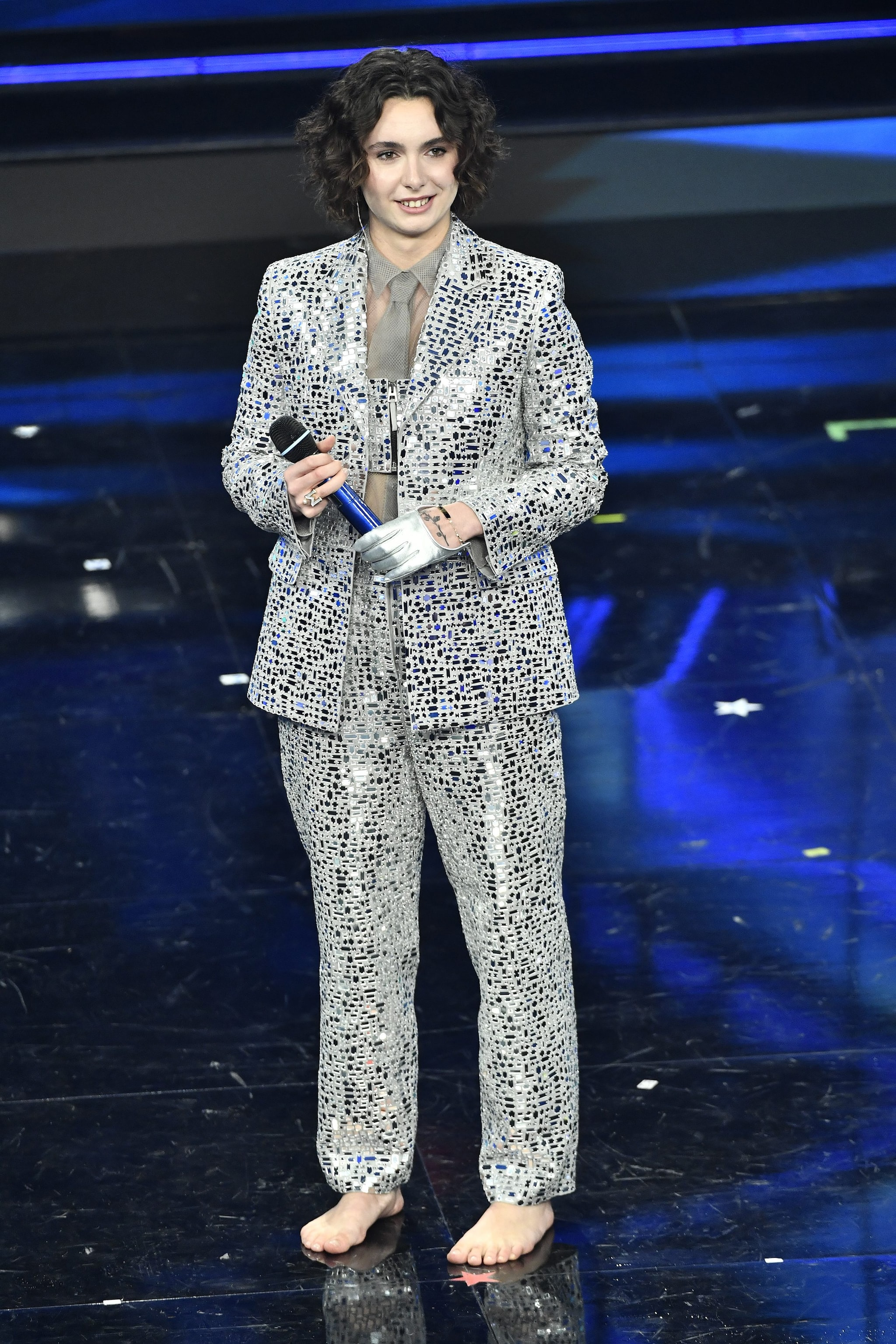 Madame col tailleur Dior