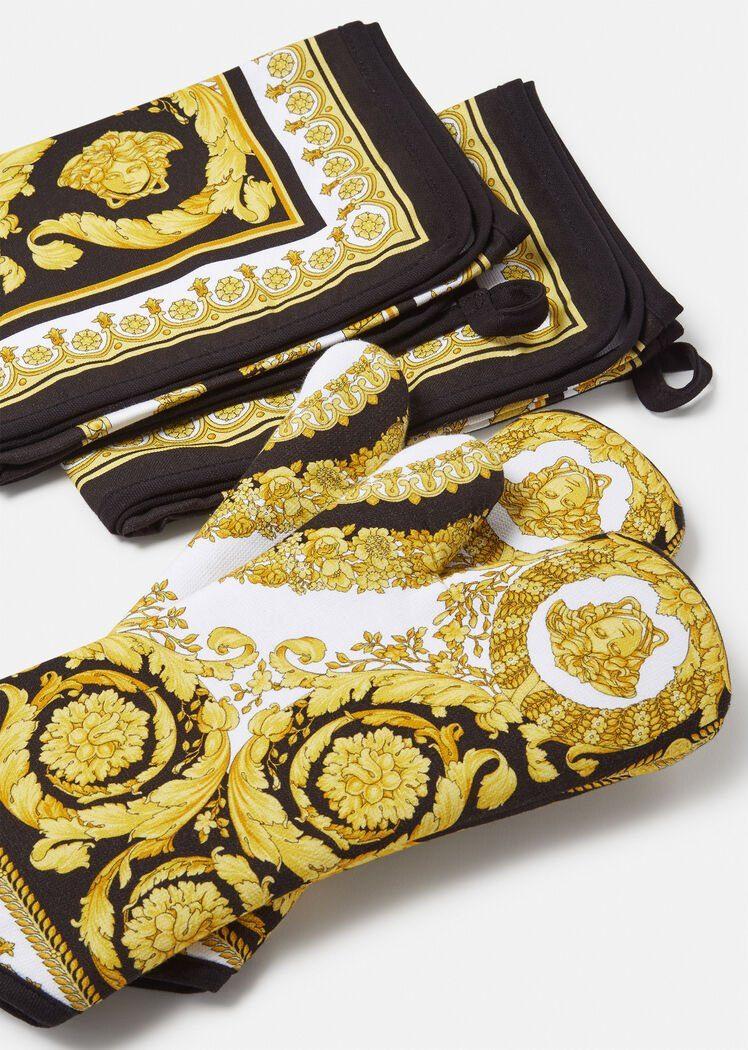 I guantoni da forno di Versace
