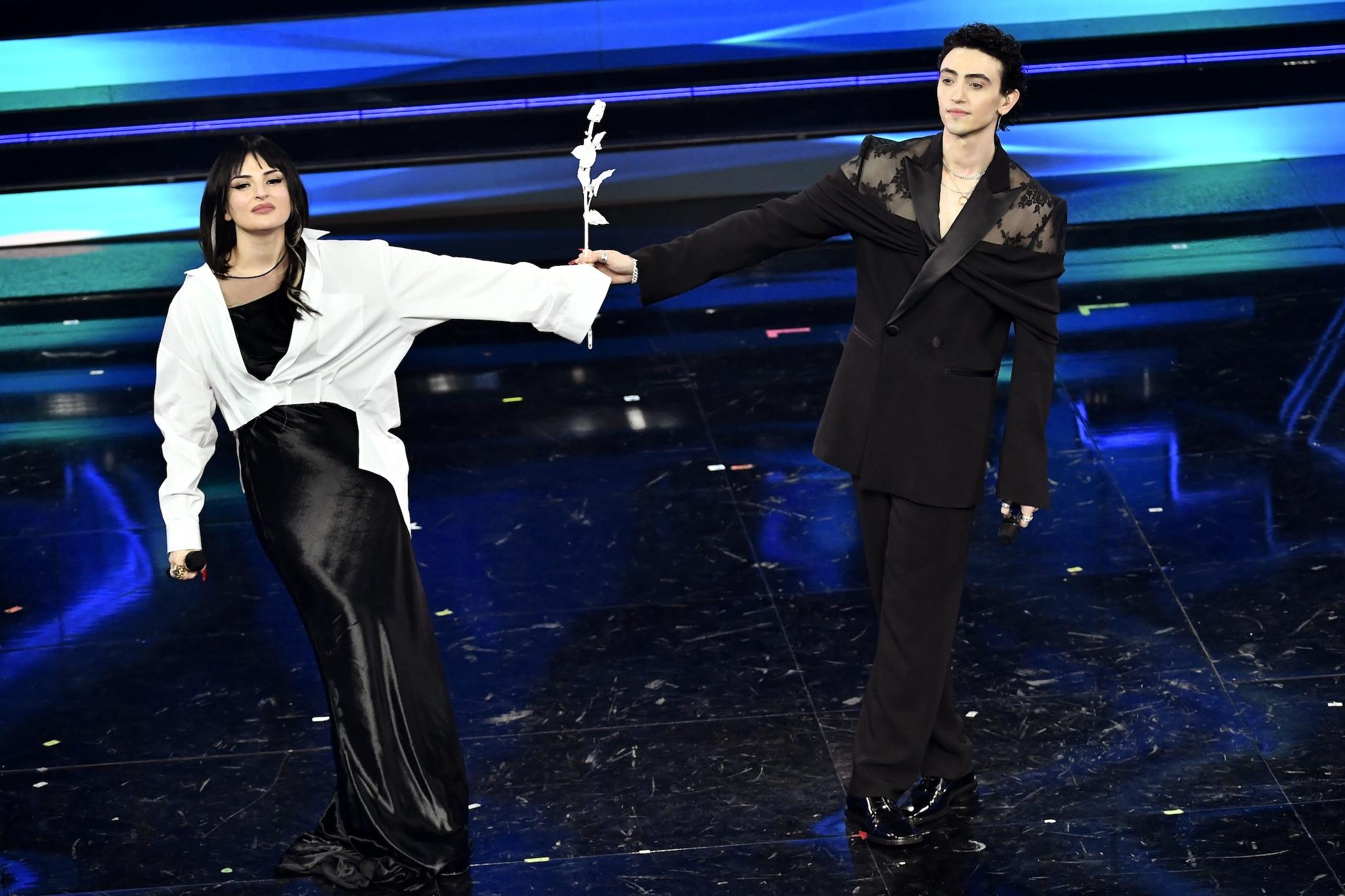 Arisa duetta con Michele Bravi