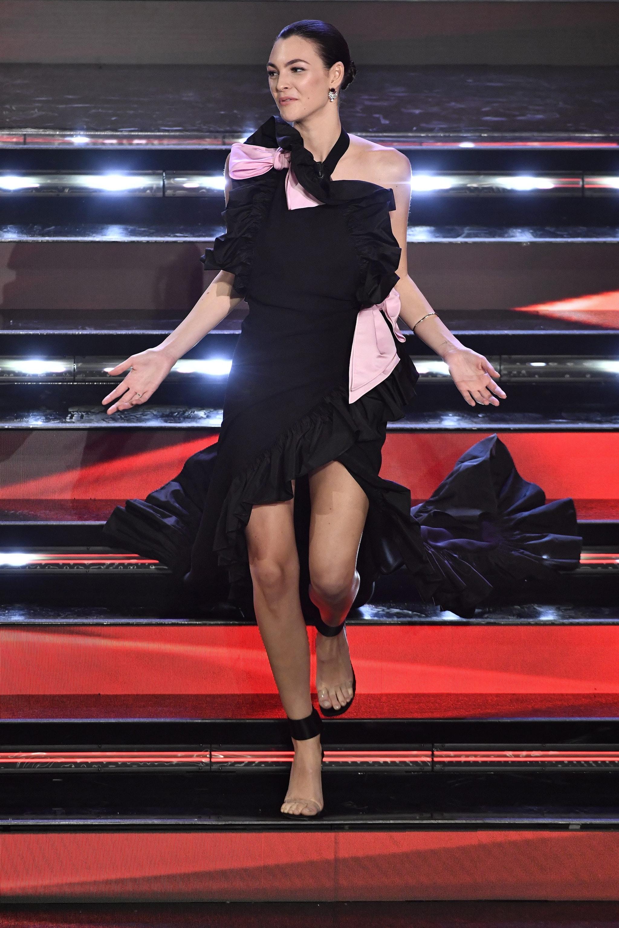 Vittoria Ceretti in Giorgio Armani Privé