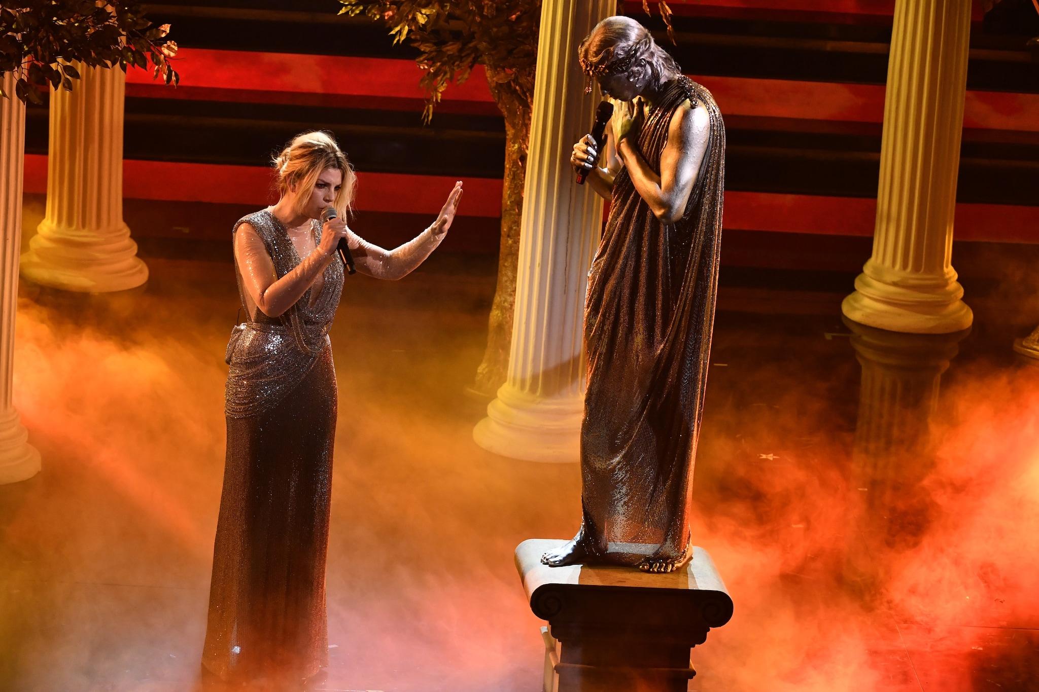 L'esibizione di Achille Lauro e Emma