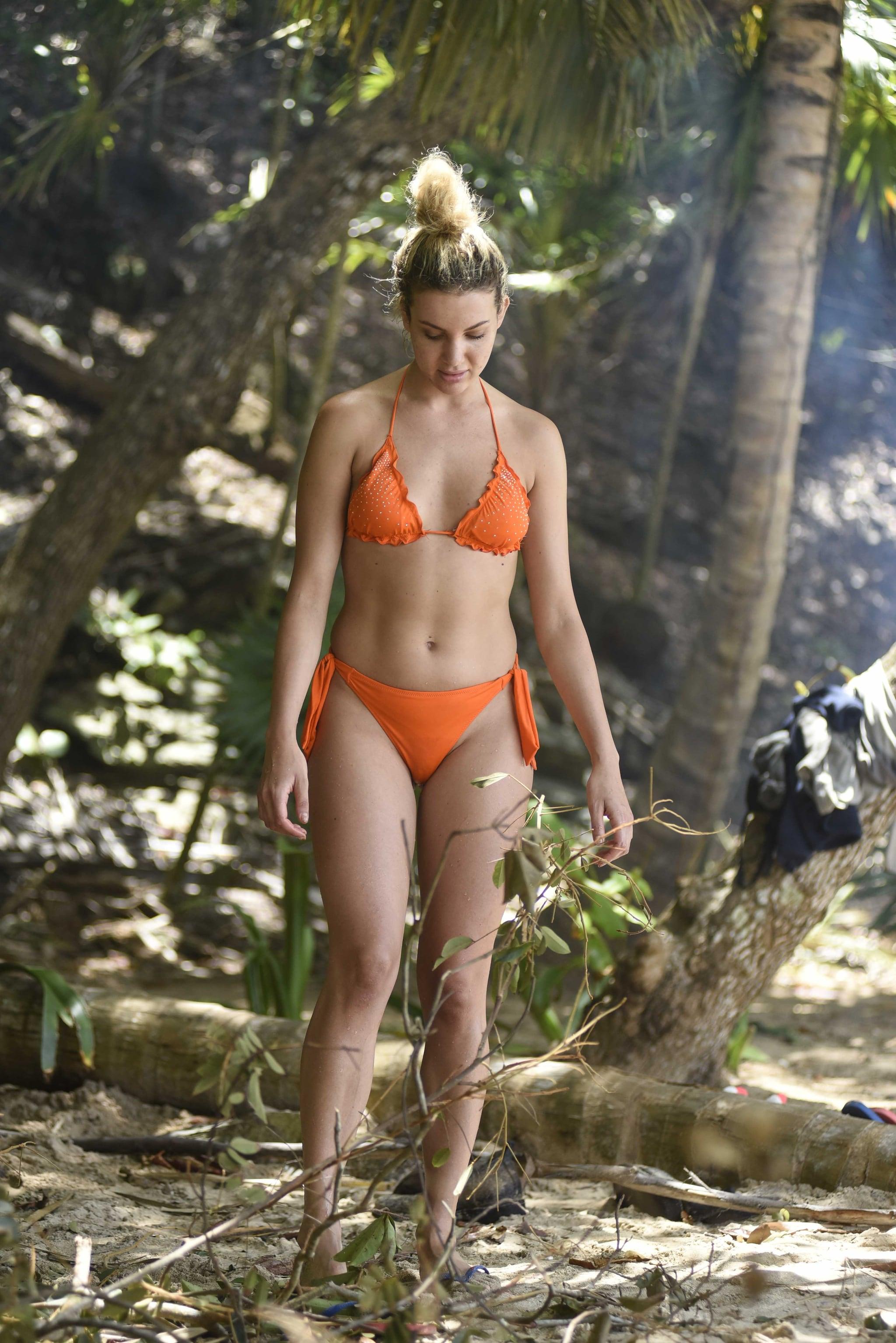Miryea Stabile col bikini arancione