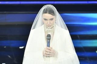 Moglie e madre sì, ma di se stessa: Madame a Sanremo porta in scena i ruoli che ingabbiano la donna