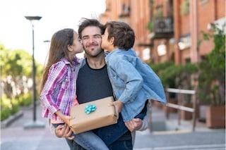 Regali beauty Festa del Papà 2021: 18 idee per stupirlo