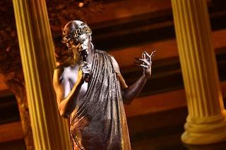 Achille Lauro come un dio a Sanremo 2021: celebra il pop distrugge la prigione dei pregiudizi