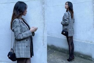 Belén Rodriguez lancia il blazer over a quadri: è il suo il look premaman da avere in primavera