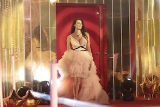 Dayane Mello, finale del Grande Fratello in rosa cipria: sceglie un abito principesco con strascico