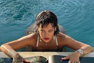 Rihanna sta per lanciare Fenty Hair: sarà la sua prima linea di prodotti per capelli