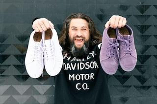 Jason Momoa lancia le sneakers vegane: sono realizzate con le alghe marine riciclate