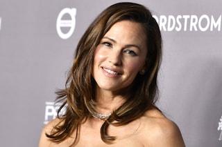 """Jennifer Garner fiera del suo corpo da mamma: """"È quello di chi ha avuto tre figli"""""""