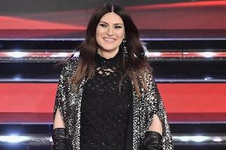 Laura Pausini torna a Sanremo ed incanta tutti con la sua voce, ma anche con la sua eleganza