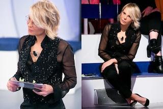 Maria De Filippi, ultima puntata di C'è Posta per te: sul palco osa con trasparenze e paillettes