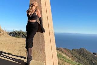 Sharon Stone in versione femme fatale: in total black è icona di bellezza senza tempo