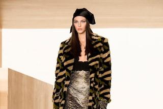 """Versace sfila in digitale, le top model diventano attrici: """"Questo è davvero il futuro"""""""