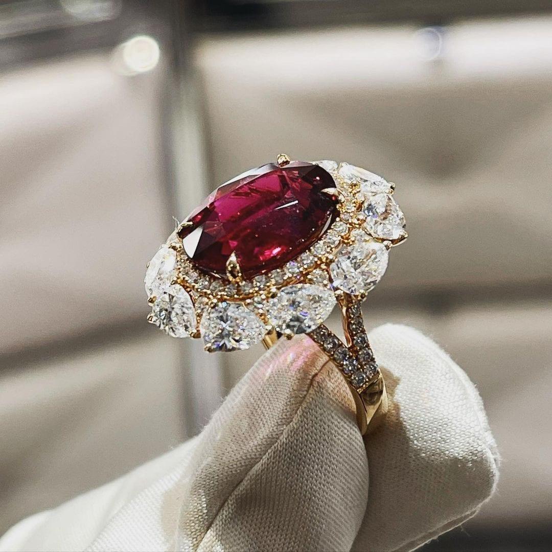 La riproduzione dell'anello da Royal
