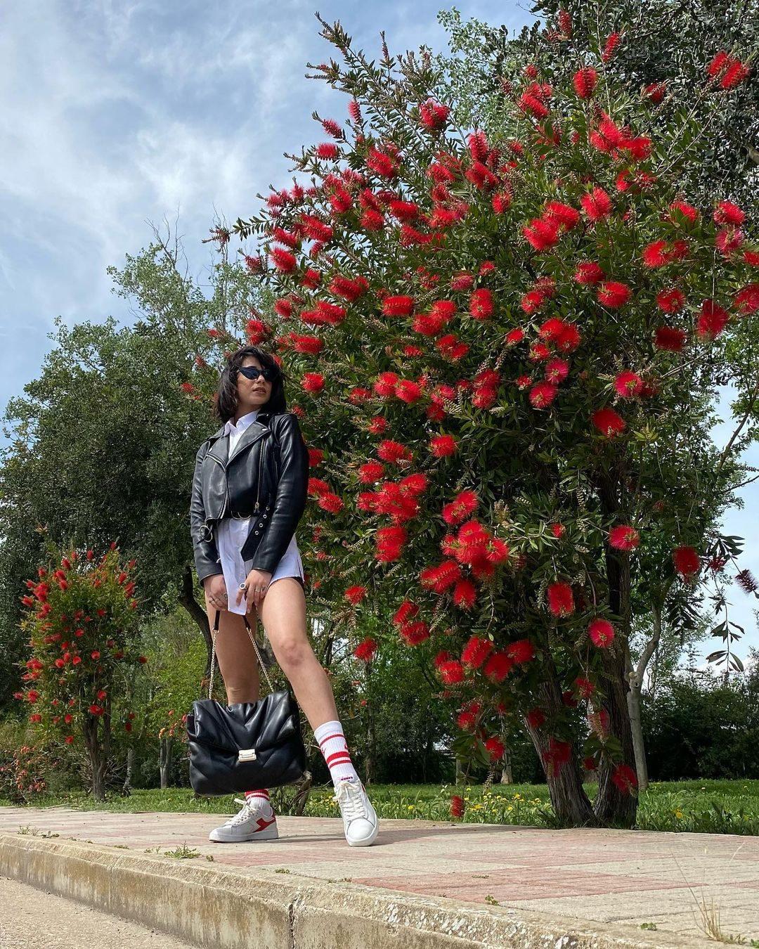 Il look con i calzini a vista di Martina Miliddi