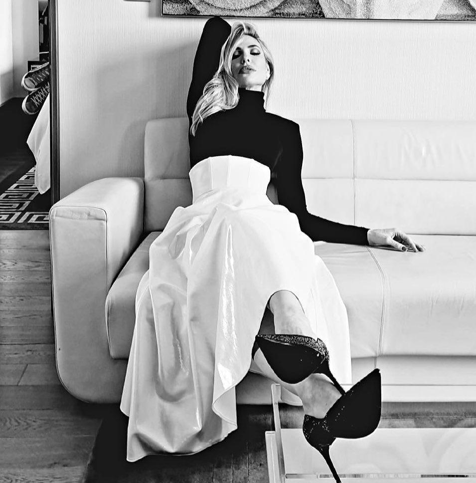 Il vestito bianco e nero per i 40 anni