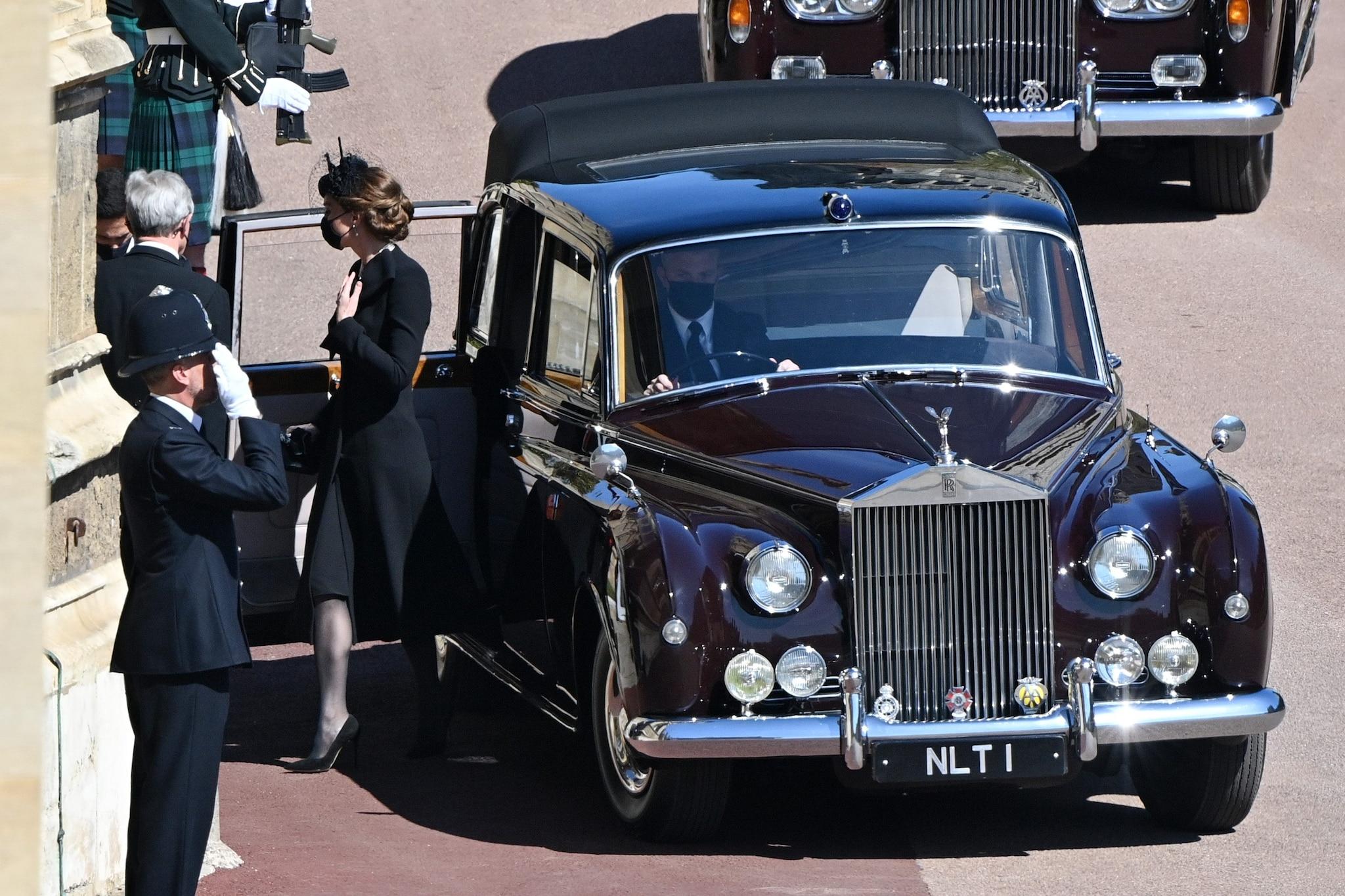 L'arrivo di Kate al funerale