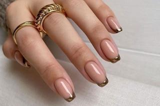 Gold nail art: la manicure della primavera è oro