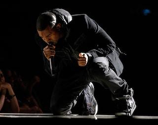 Le sneakers più care al mondo: venduto per 1,5 milioni di euro il modello di Kanye West