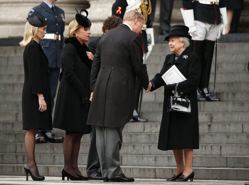 La regina Elisabetta al funerale di Margaret Thatcher nel 2013