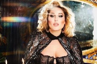 La figlia di David Hasselhoff, Hayley, posa per Playboy: è la prima modella curvy in copertina