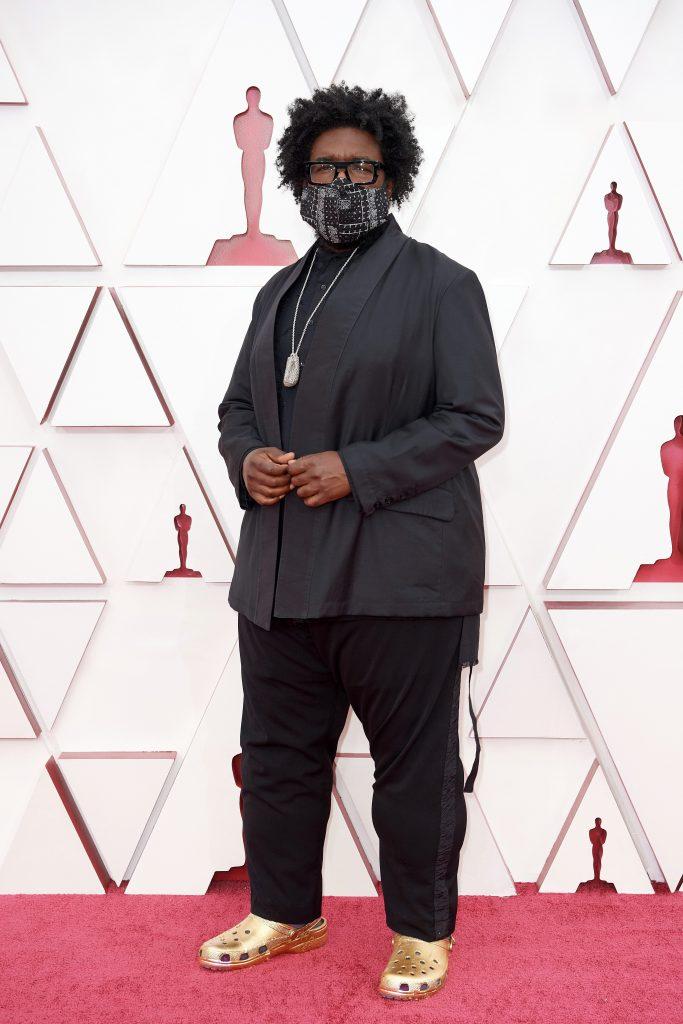 Il musicista Questlove con le Crocs agli Oscar 2021