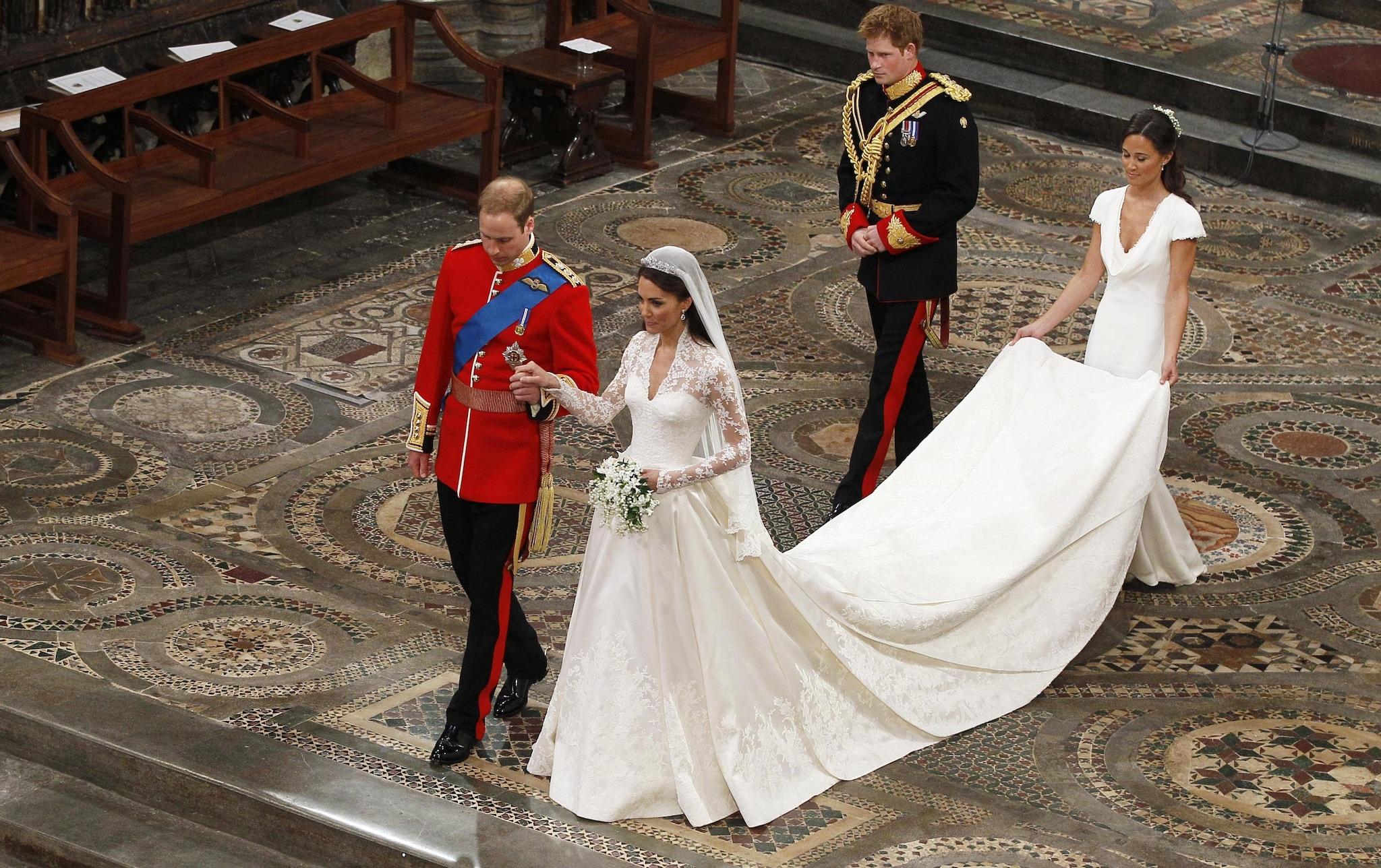 L'abito di Kate con due metri di strascico