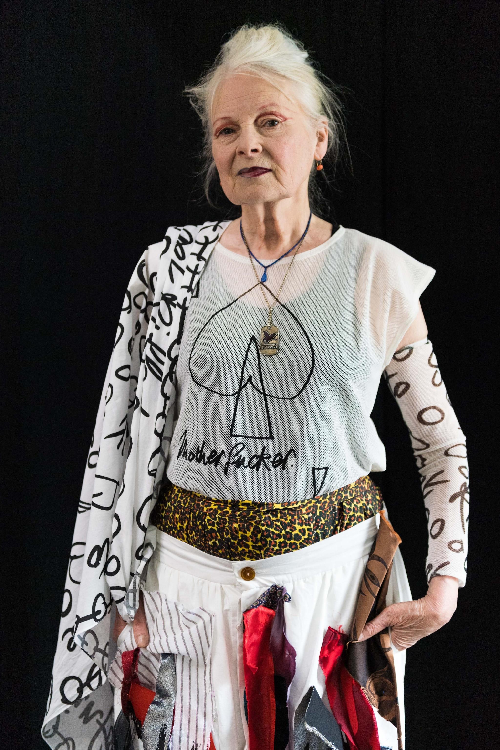 Vivienne Westwood indossa le sue creazioni
