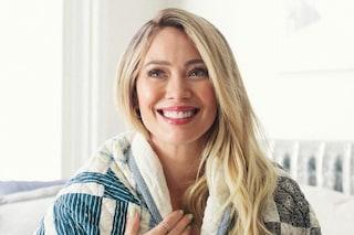 """Hilary Duff rivela le difficoltà dell'allattamento al seno: """"È un'esperienza dolorosa"""""""