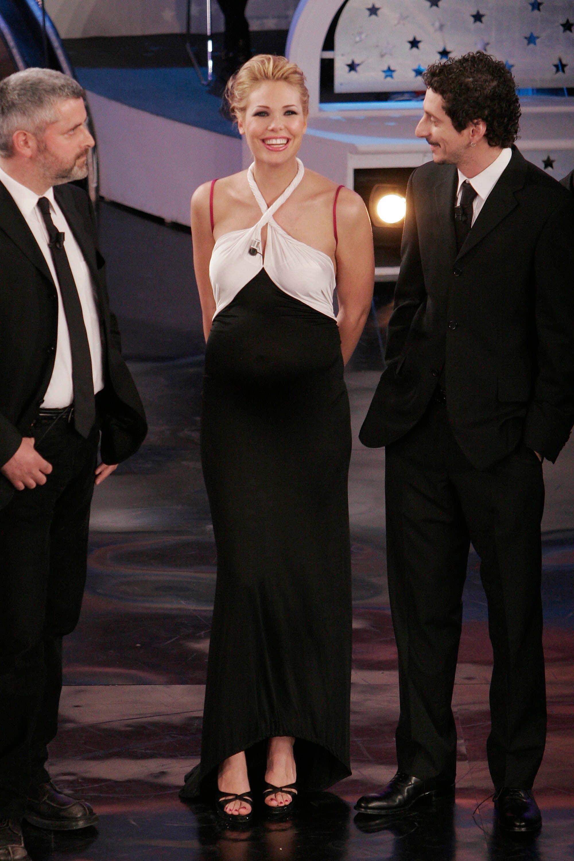 Ilary Blasi in versione bon–ton a Sanremo