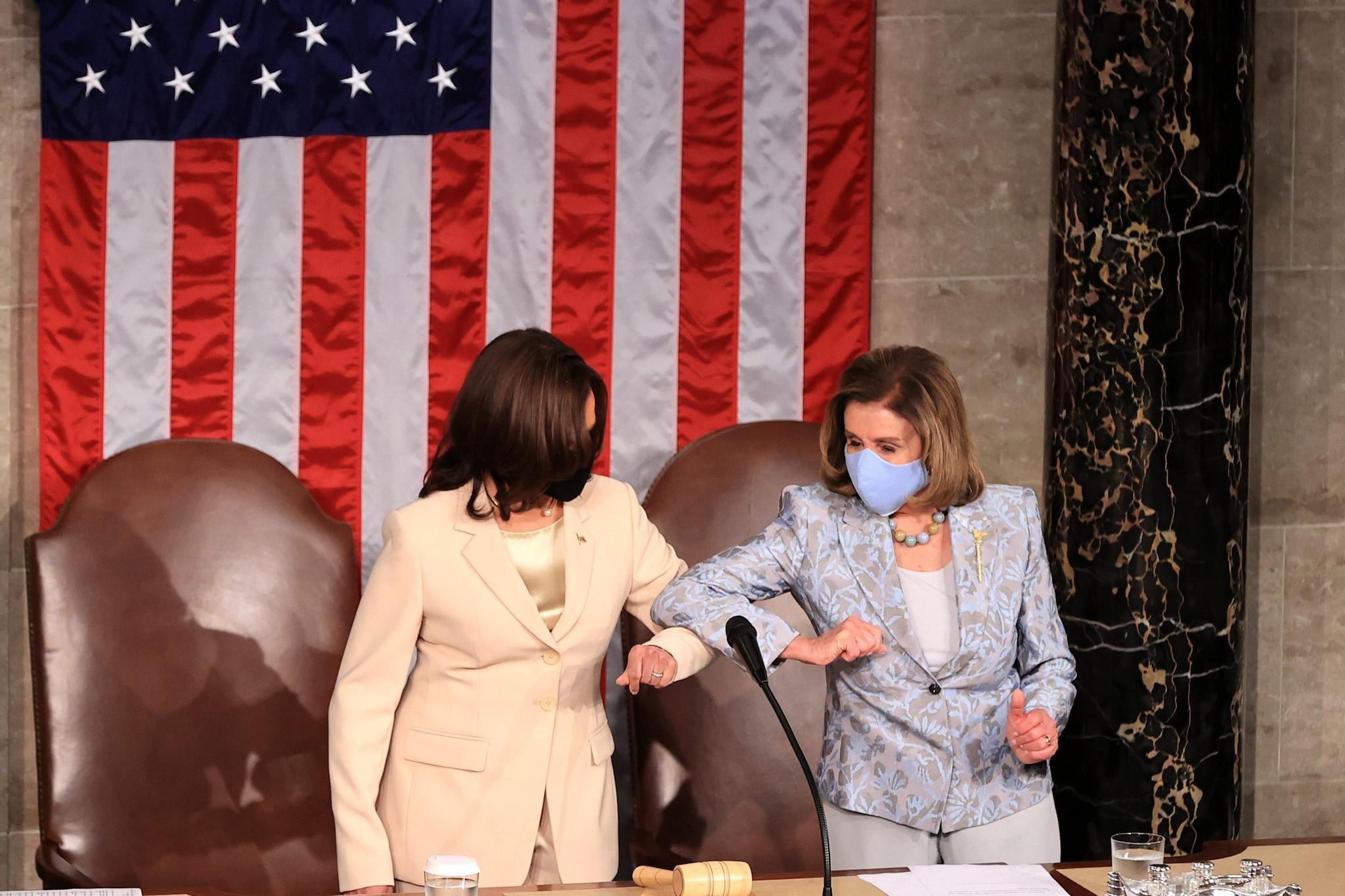 Kamala Harris e Nancy Pelosi