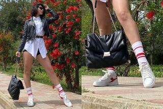 Martina Miliddi, dopo Amici lancia il trend dell'estate: i calzini di spugna vanno messi in mostra