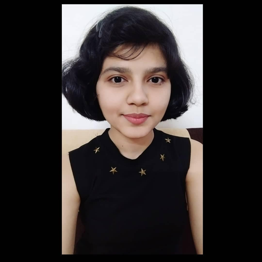 I capelli di Nilanshi Patel dopo il taglio