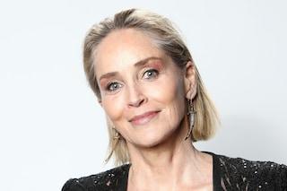 """Sharon Stone fiera dei suoi anni e in pace con la sua immagine: """"Mi sento fantastica, vecchia e viva"""""""